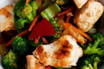 20 Minute Extra Veggie Chicken Stir Fry
